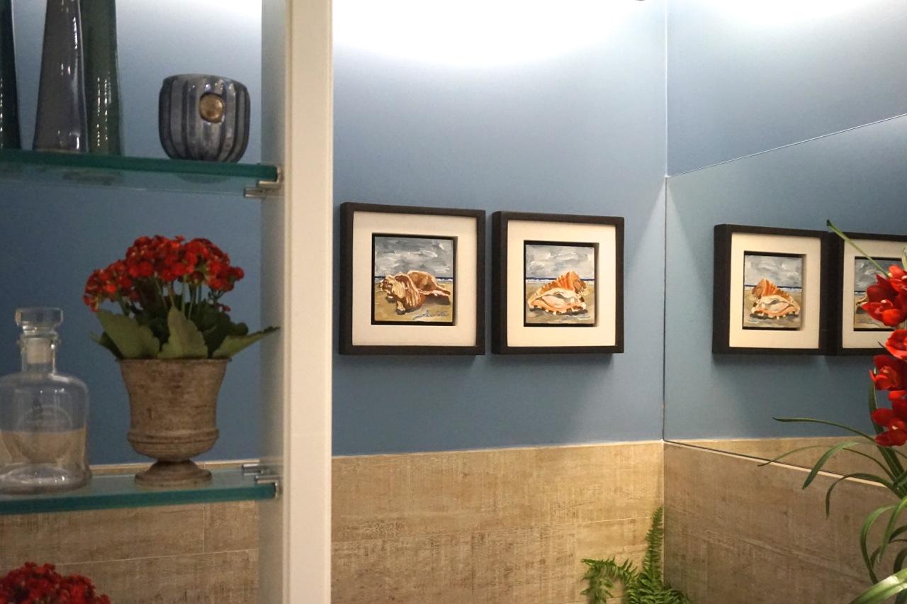 #946C37 é apostar no tema marinho para decorar o banheiro. Os mini quadros  1280x852 px Banheiro Decorado Com Quadros 3571
